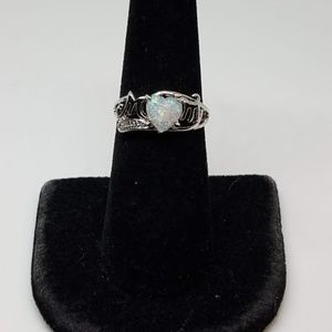 Jewelry - Mom Ring With Fire Opal Size 8
